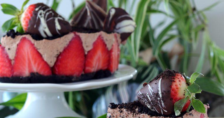 Torta s jagodama i mascarpone  čokoladnom kremom
