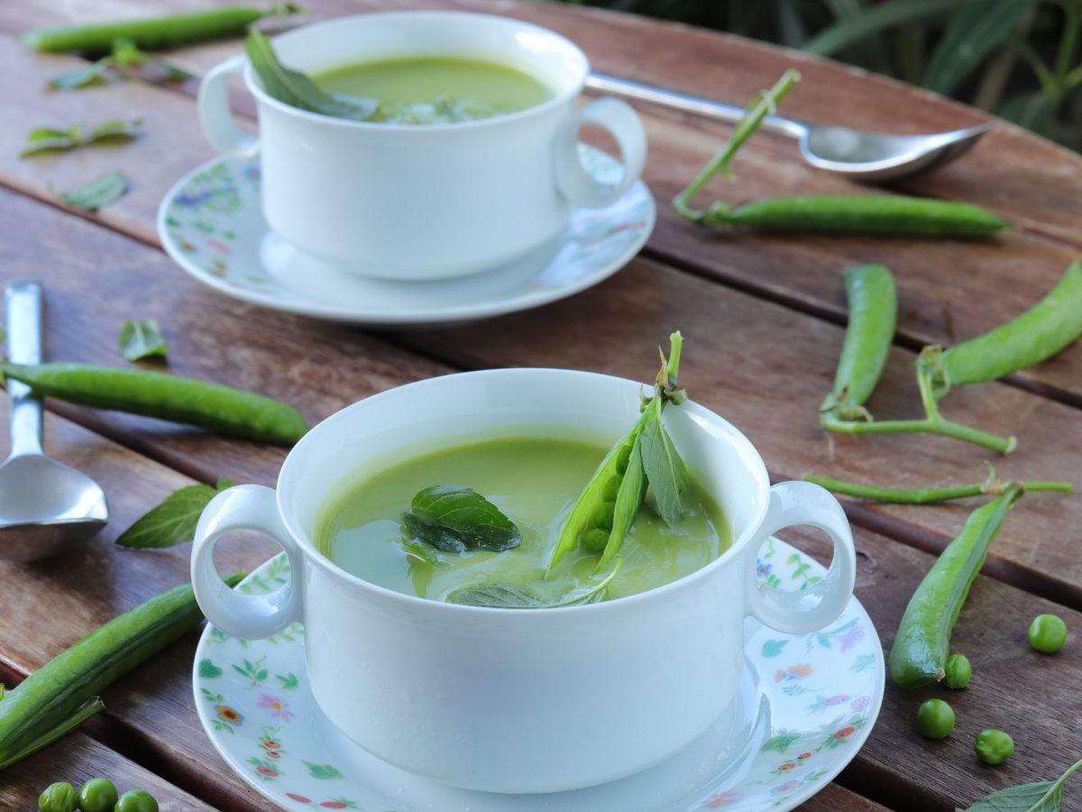 Hladna juha s graškom i mentom